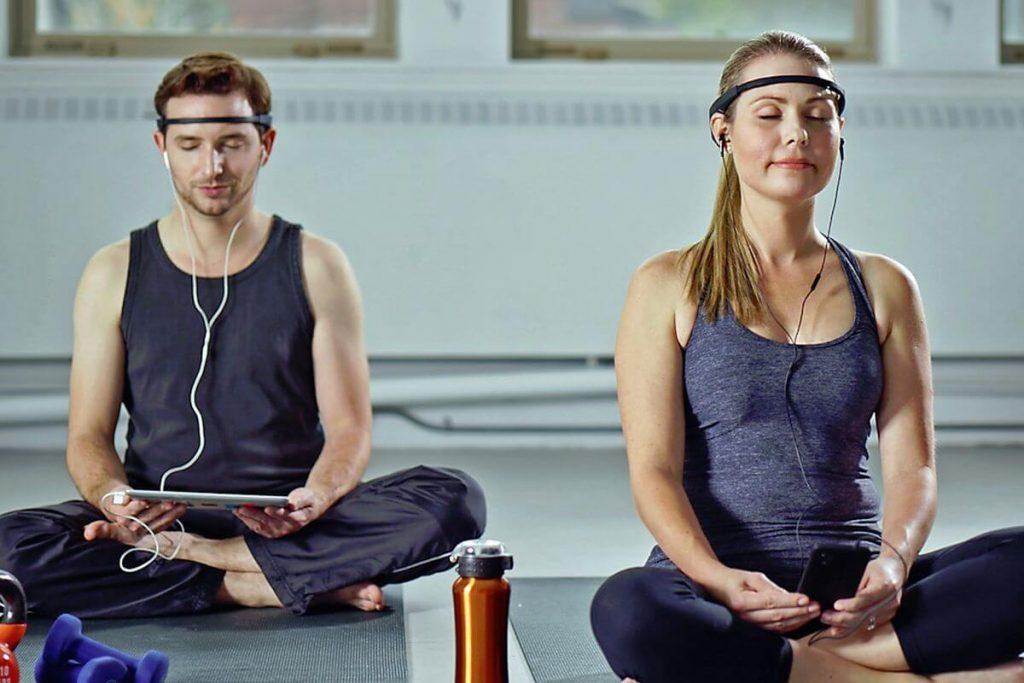 meditasyon yapmaya-yardım-eden-giyilebilir-teknolojiler