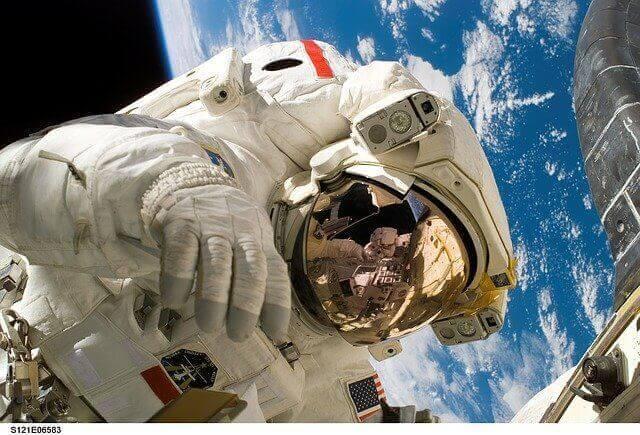 Teknoloji ile Uzay Araştırmaları Arasında Nasıl Bir İlişki vardır