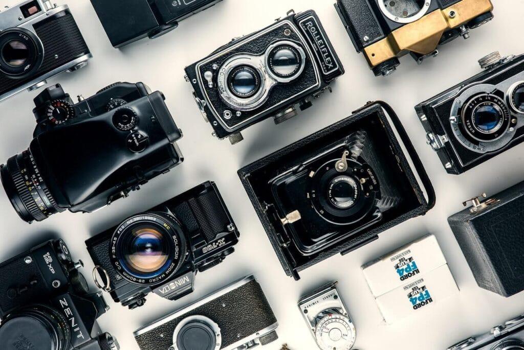 Eski kameralar bir arada resmi çekilmiş hali